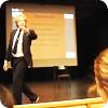 Daniel föreläser för gymnasieelever