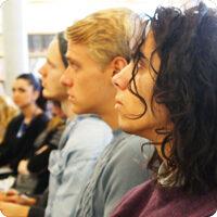 KTH-Studenter lyssnar på föreläsning.